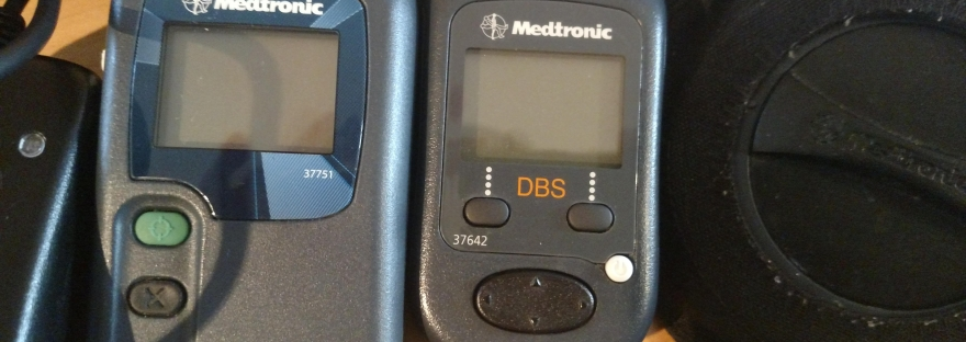 Medtronic DBS programmer and charger device