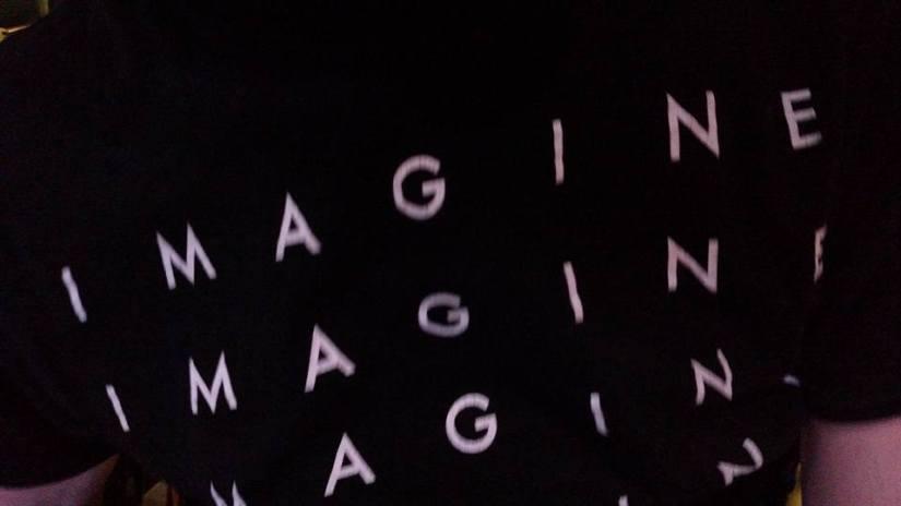 tshirt that says Imagine